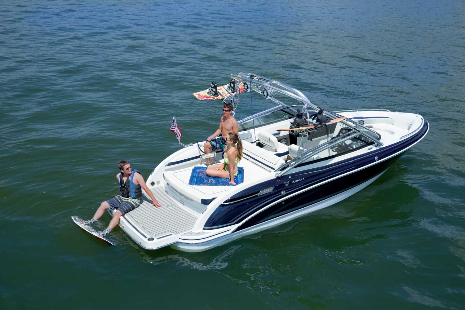 Chris Craft Boats Formula Boats And Pre Owned Boats At